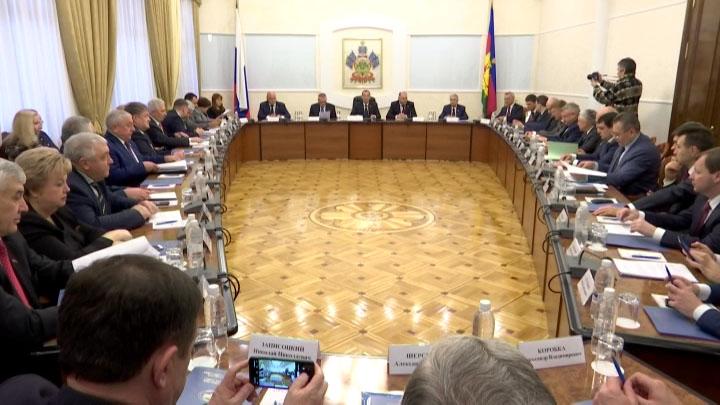 В Краснодаре состоялось первое в 2020 году заседание Совета законодателей края