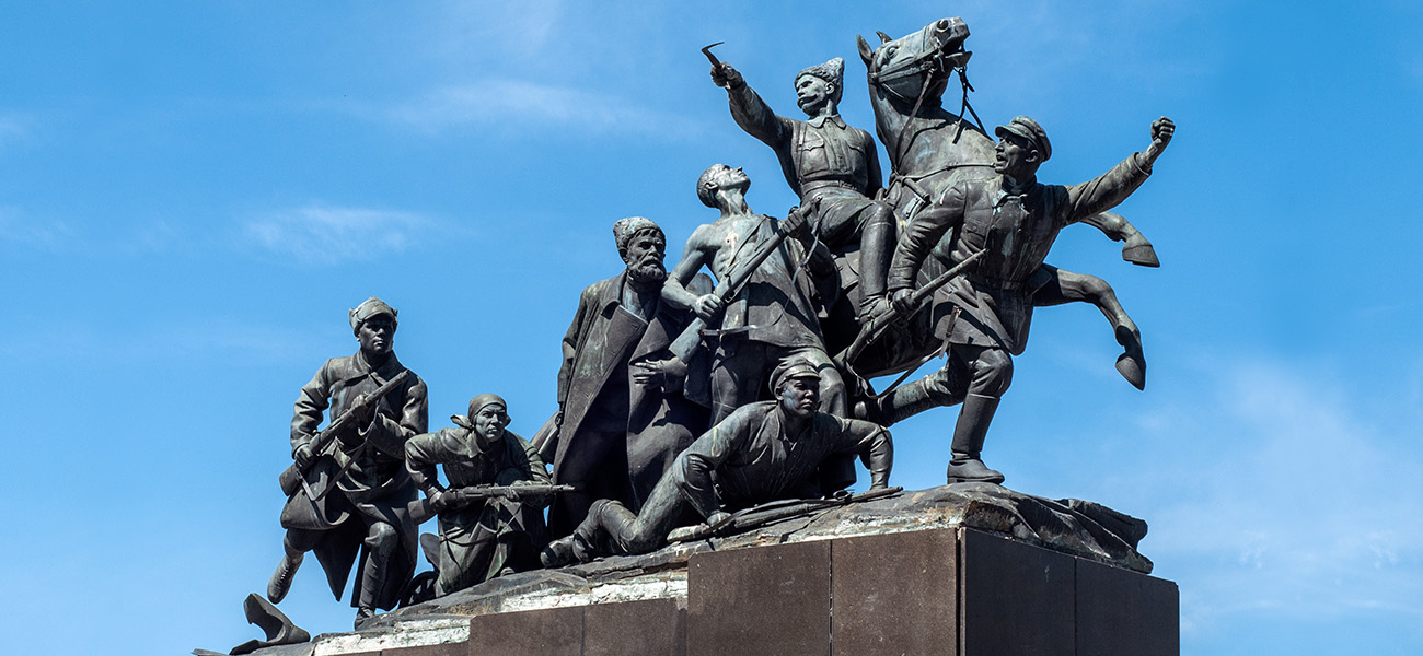 Имя в названии: Василий Чапаев — герой войны и анекдотов
