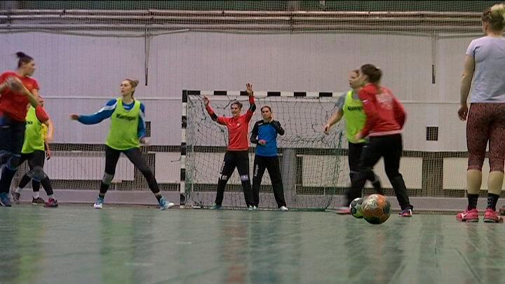 Гандболистки «Кубани» готовятся к игре с «Динамо-Синара»