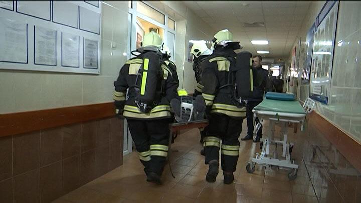 В больнице Сочи прошли учения медиков, спасателей и коммунальщиков