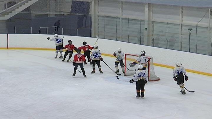 В Кореновске стартовало первенство края по хоккею среди спортсменов до 14 лет