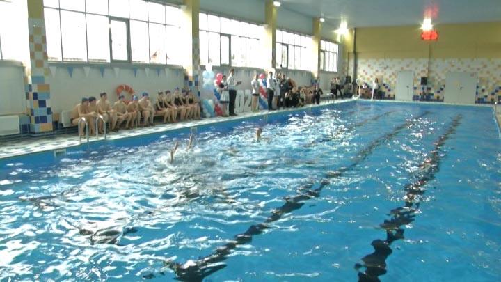 В Динском районе построили новый крытый плавательный бассейн