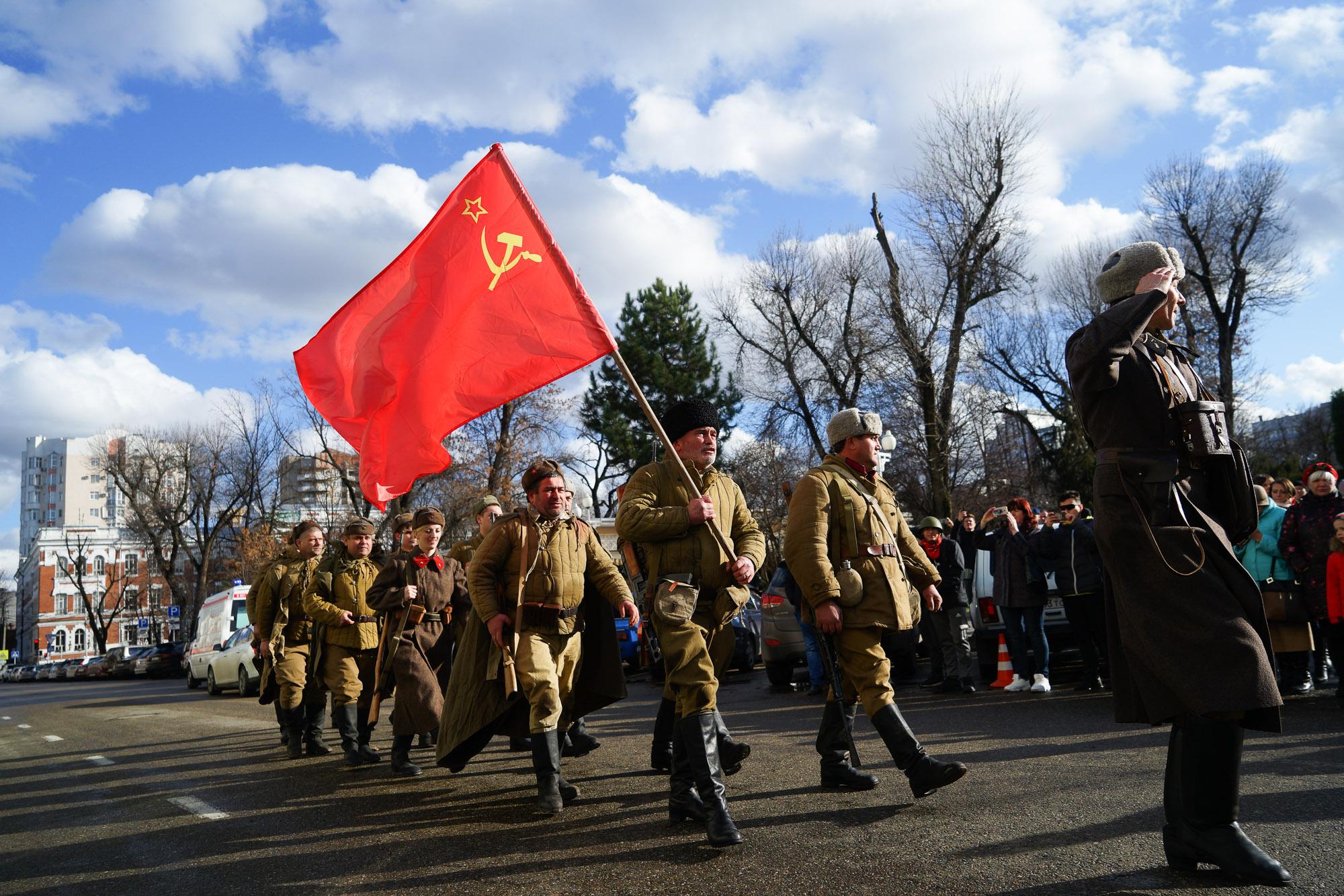 В Краснодаре прошла реконструкция освобождения города от фашистских оккупантов