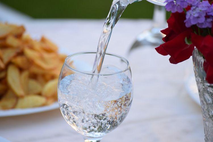 Спорная диета: женщина целый год не пьет воду
