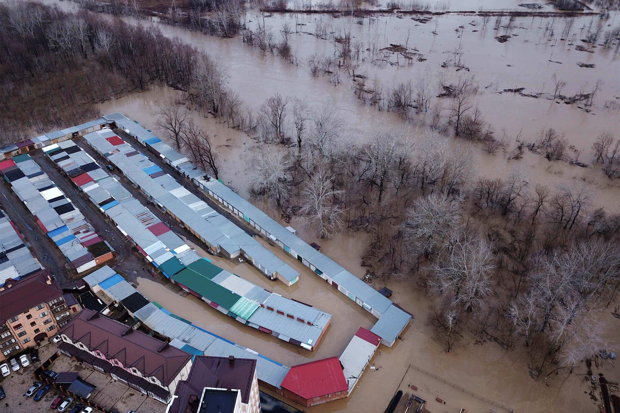 В Горячем Ключе 12 человек обратились в ЕДДС из-за подтопления