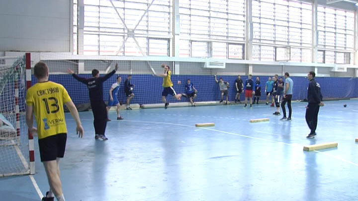 ГК СКИФ приостановил тренировки к матчам Суперлиги