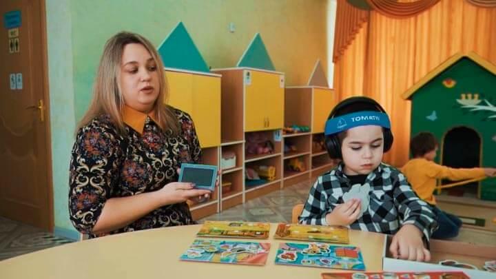 В Новороссийске детей с аутизмом будут лечить системой «Томатис»