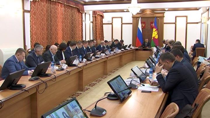 Кондратьев: закупки до 300 тыс. рублей необходимо вывести из тени