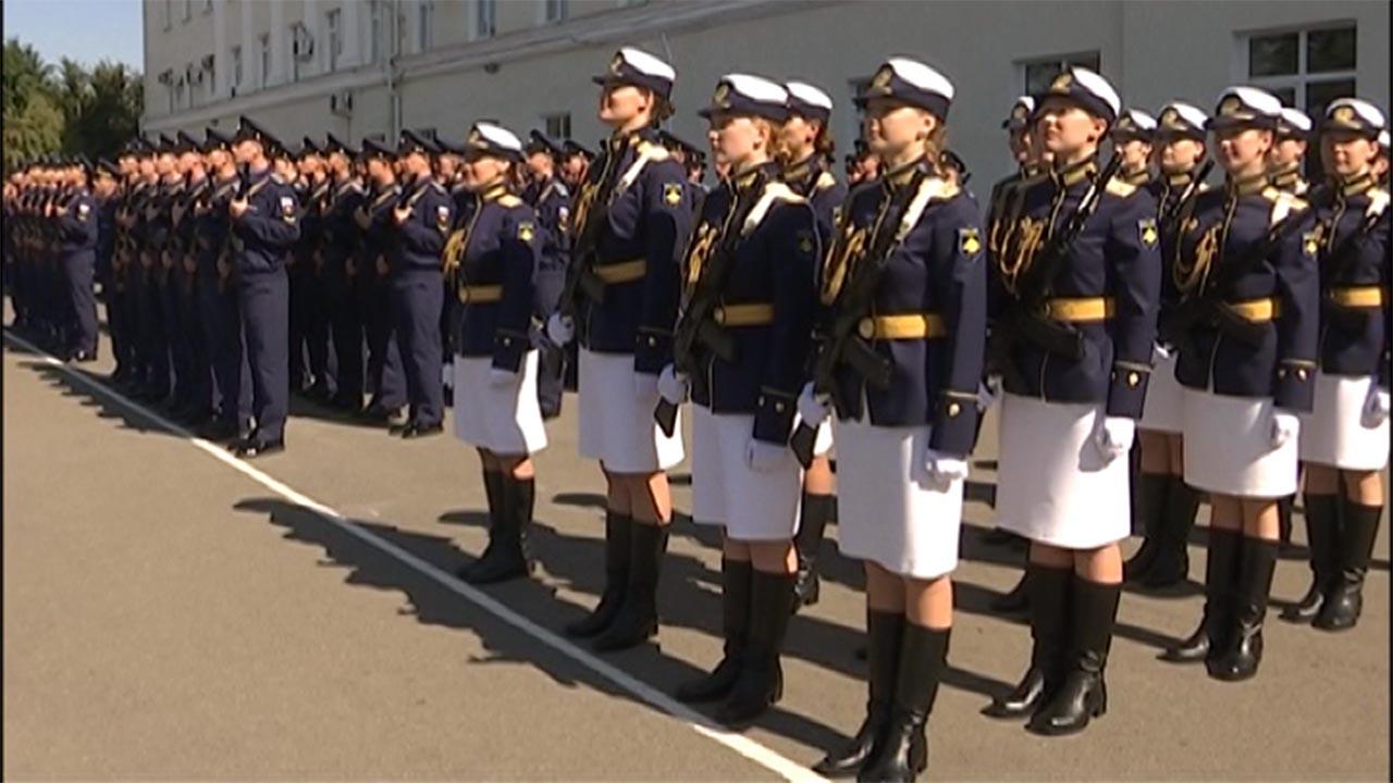 В Краснодаре курсантки военного училища впервые поднялись в небо