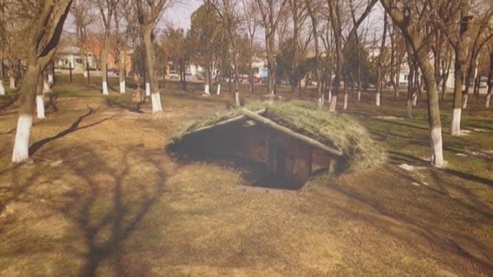 Священнослужители в Ейске начали строительство землянки