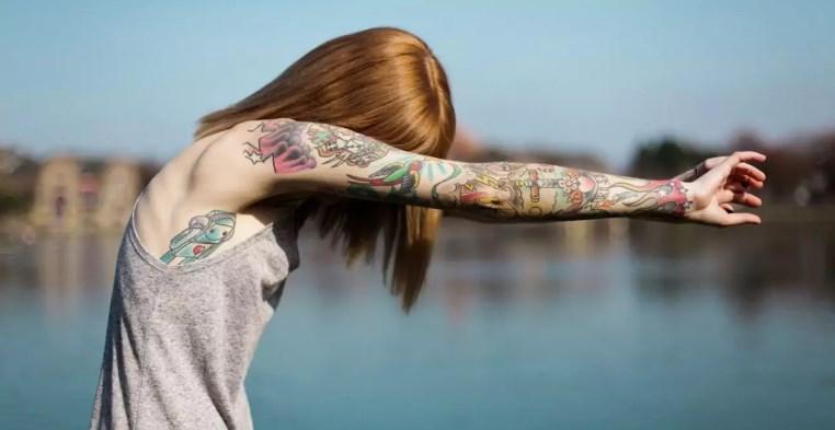 первая тату, первая татуировка, шея