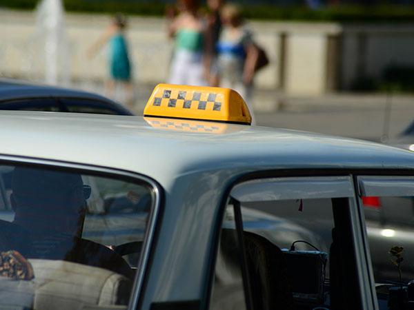 коронавирус, COVID-19, такси, таксисты