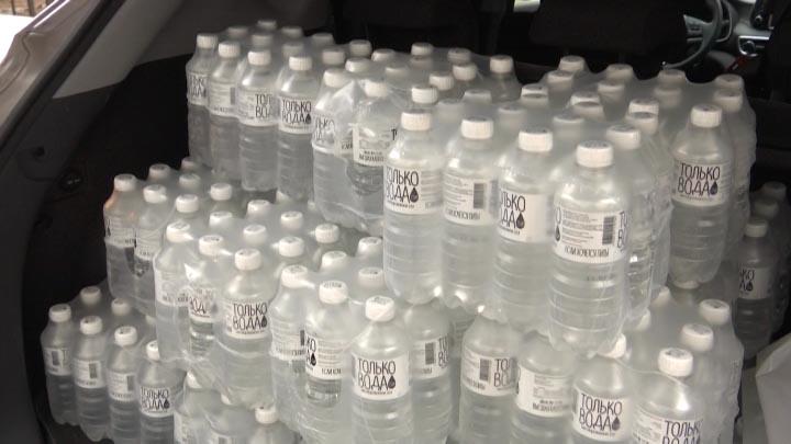 «Единая Россия» отправила в инфекционку Краснодара 1,3 тыс. бутылок воды