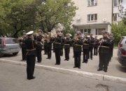 В Новороссийске оркестр военно-морской базы устроил концерт для ветеранов