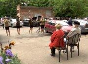 По всей Кубани ветеранов поздравляют выездными концертами