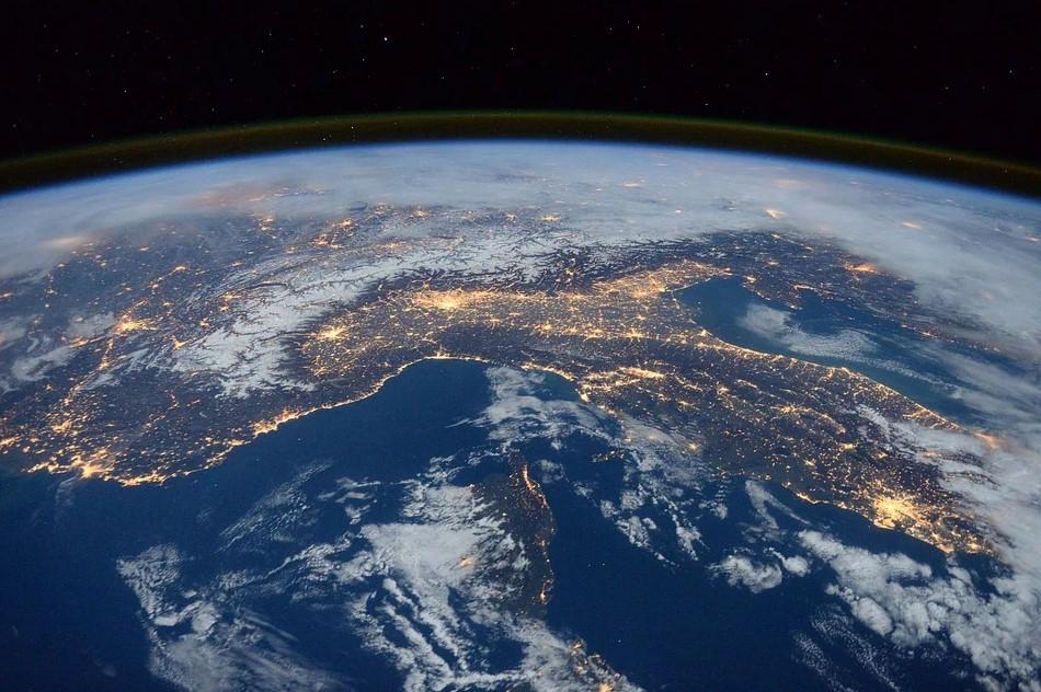 космический мусор, спутники
