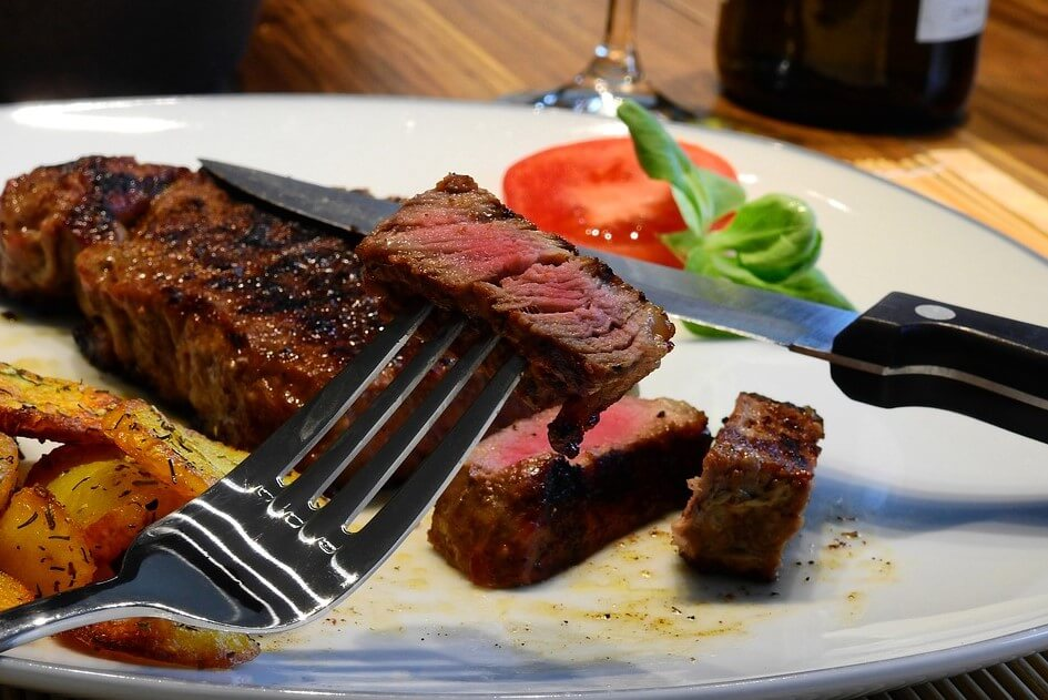 вегетарианцы, мясоеды