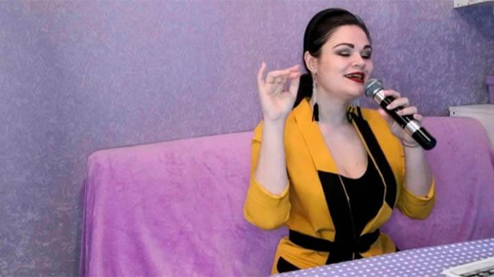 Певица Юлия Пивоварова: я не умею заниматься чем-то одним, мне становится скучно