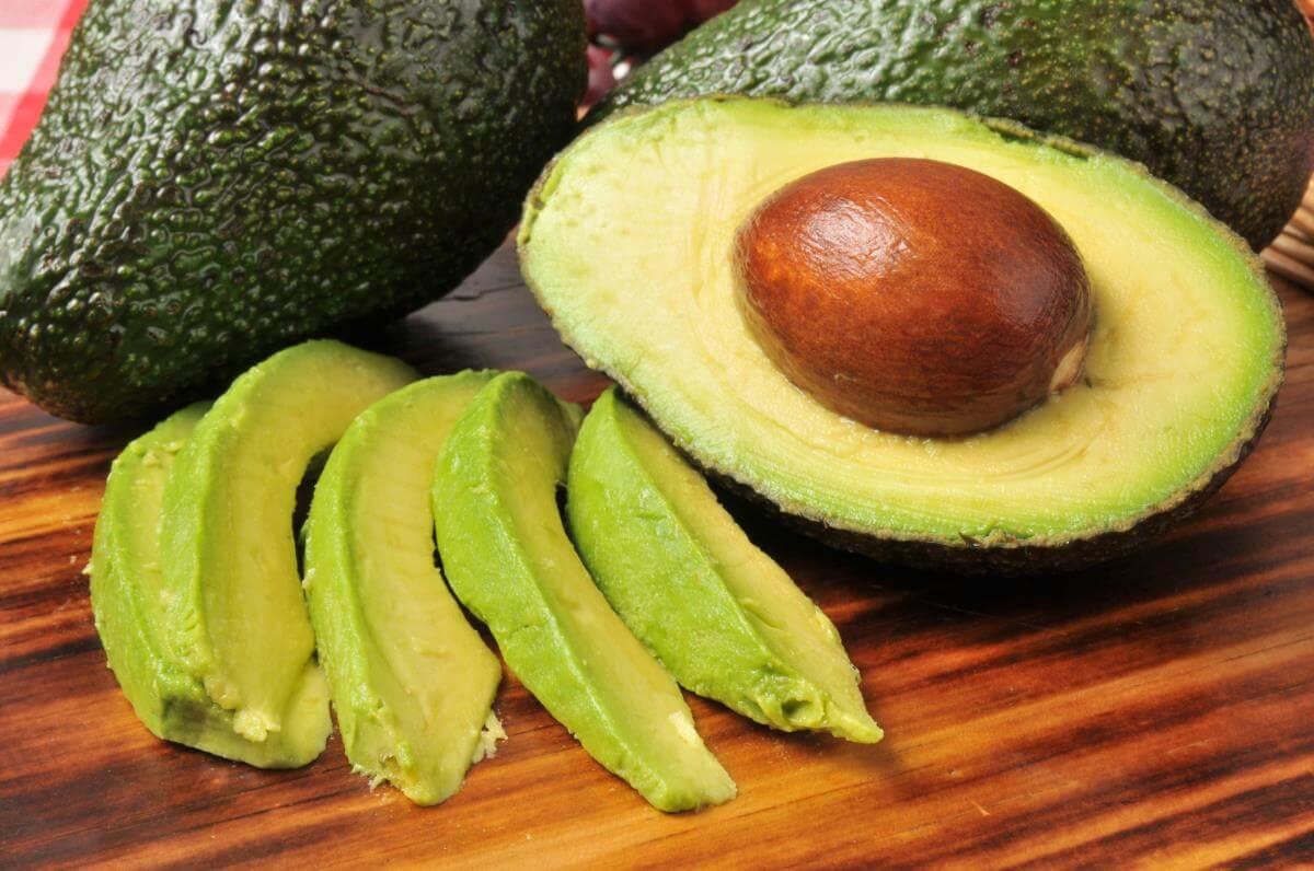 Полезные привычки: 3 причины есть авокадо каждый день