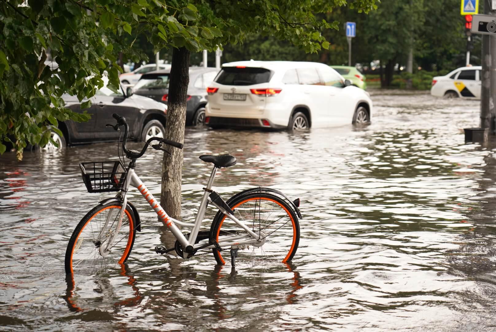 Центр Краснодара ушел под воду после ливня