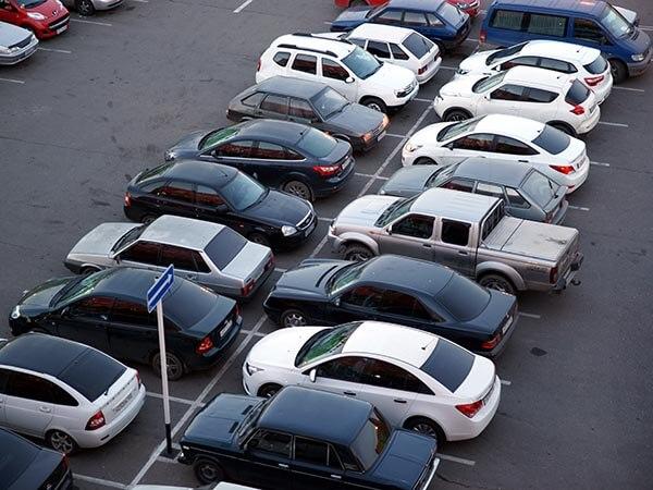 Автоэксперт: чехол не спасет машину от перегрева в жару