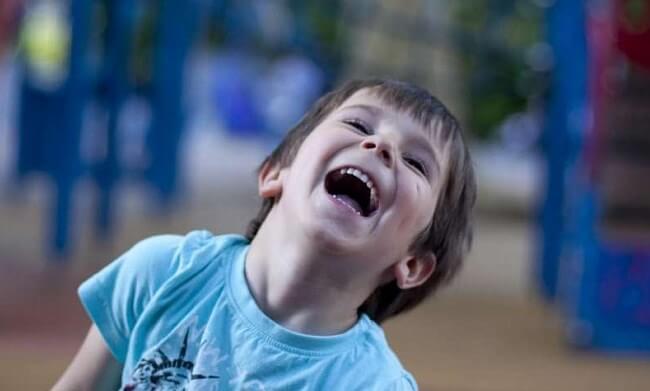 Идентифицировать личность человека научились по смеху