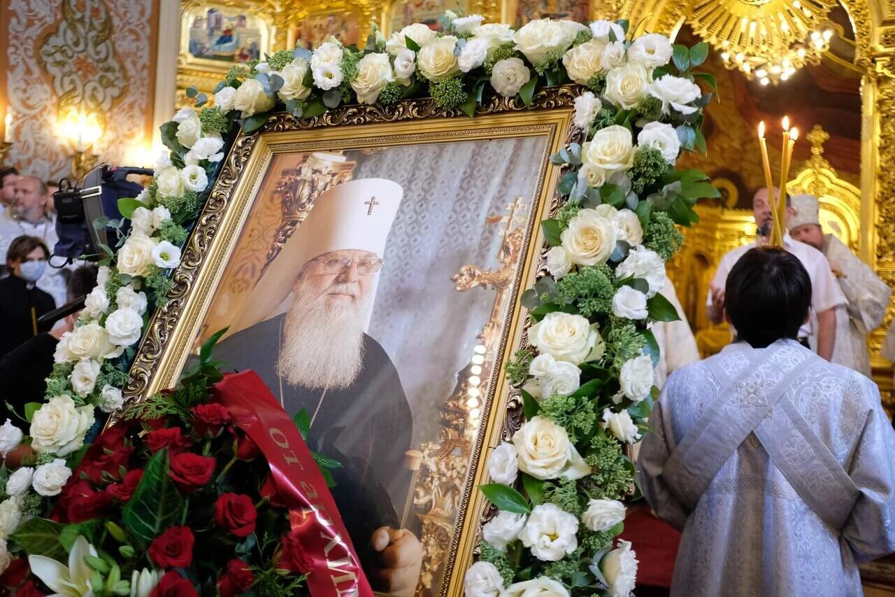 В Краснодаре верующие прощаются с Владыкой Исидором