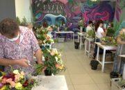 В Краснодаре для пенсионеров проводят бесплатные курсы флористики