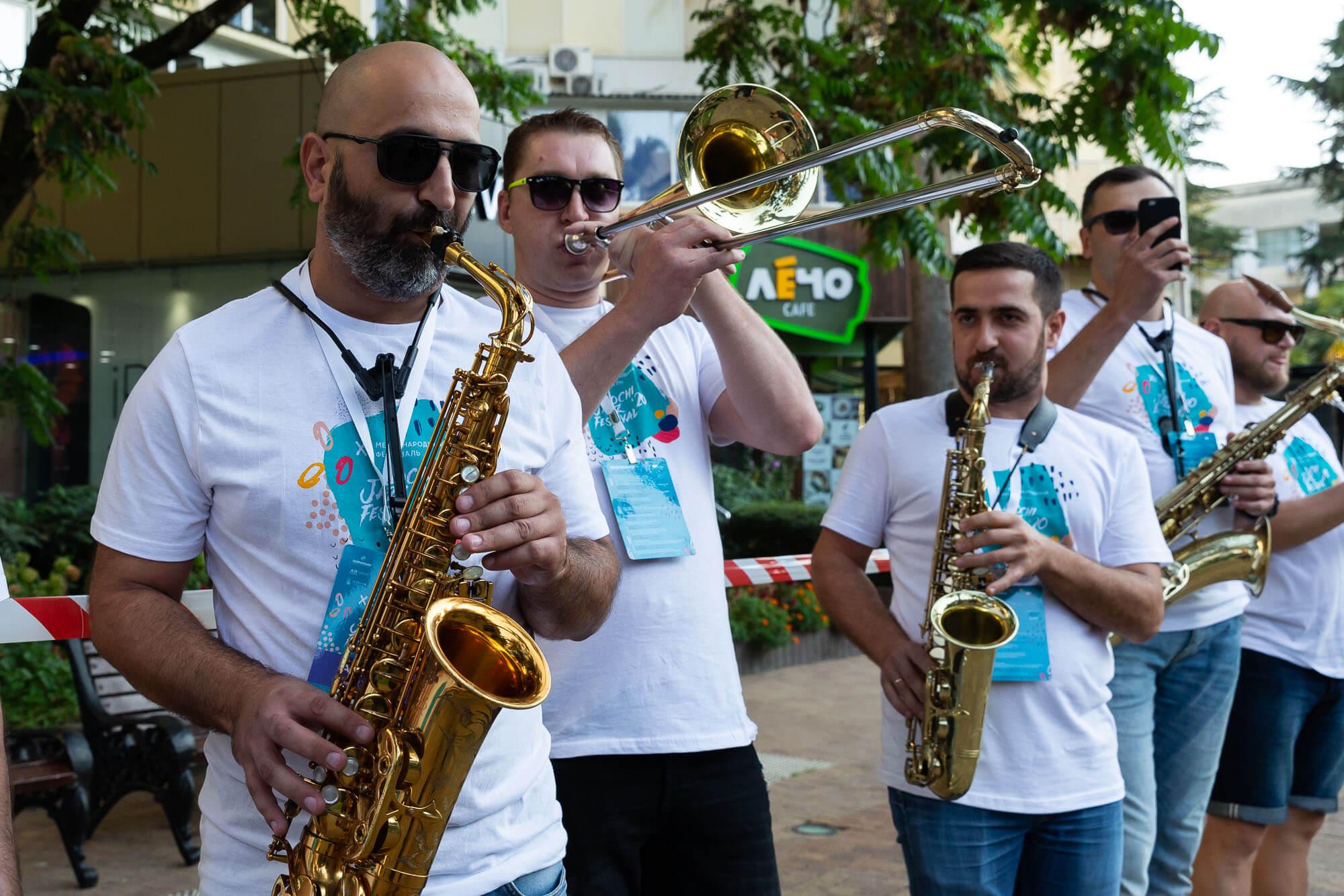 Музыкальный парад джазовых оркестров в Сочи на Sochi Jazz Festival. Фоторепортаж
