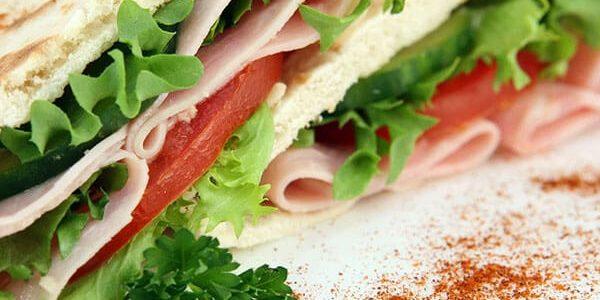 Кардиолог развеял миф о вреде бутербродов