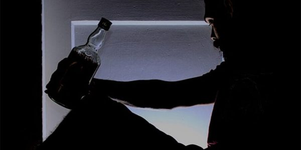 Алкоголь и осенняя депрессия: лечит или калечит?