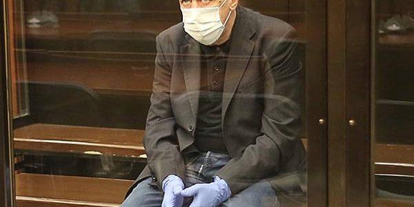 Суд смягчил приговор Ефремову по делу о ДТП до 7,5 лет колонии общего режима