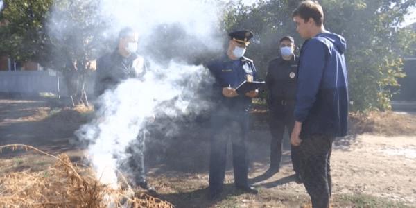 На Кубани пожарные проводят масштабную дезинфекцию общественных территорий