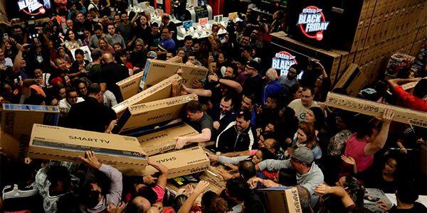 В Госдуме призвали шопоголиков быть осторожнее с покупкам в «черную пятницу»