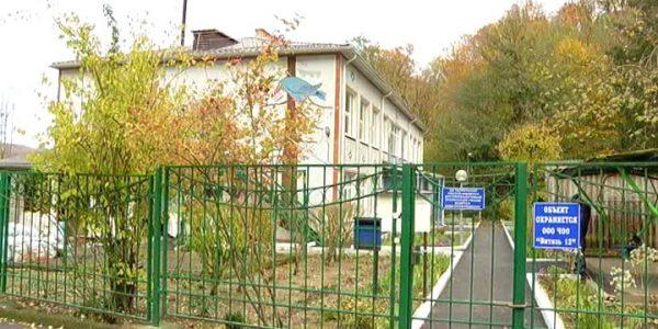В пригороде Геленджика к концу года отремонтируют детских сада