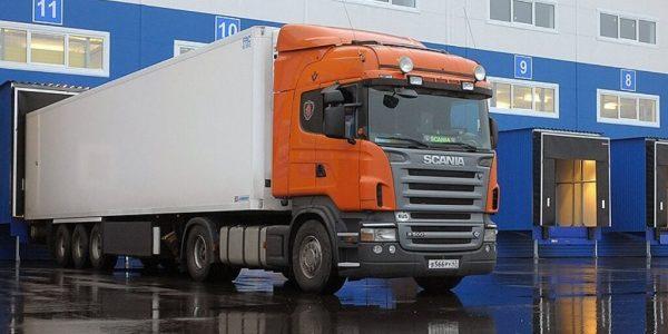 В Краснодаре перед Новым годом ограничат заезд грузовиков в ТРЦ и на склады