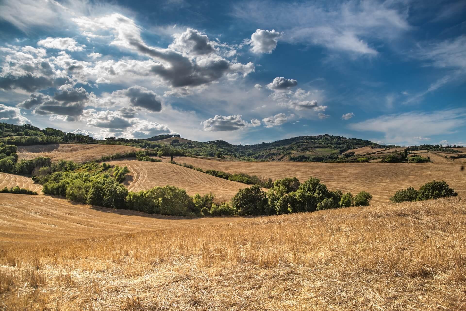 hill-2165759_1920