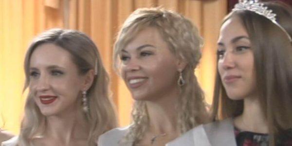 Краевой ФСИН провел конкурс красоты среди служащих системы исполнения наказаний
