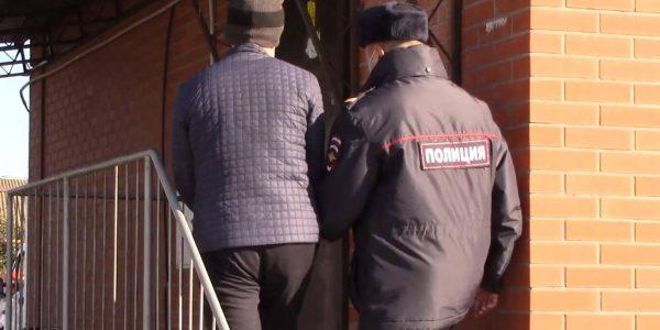 В Староминском районе мужчина пытался вскрыть банкомат с деньгами