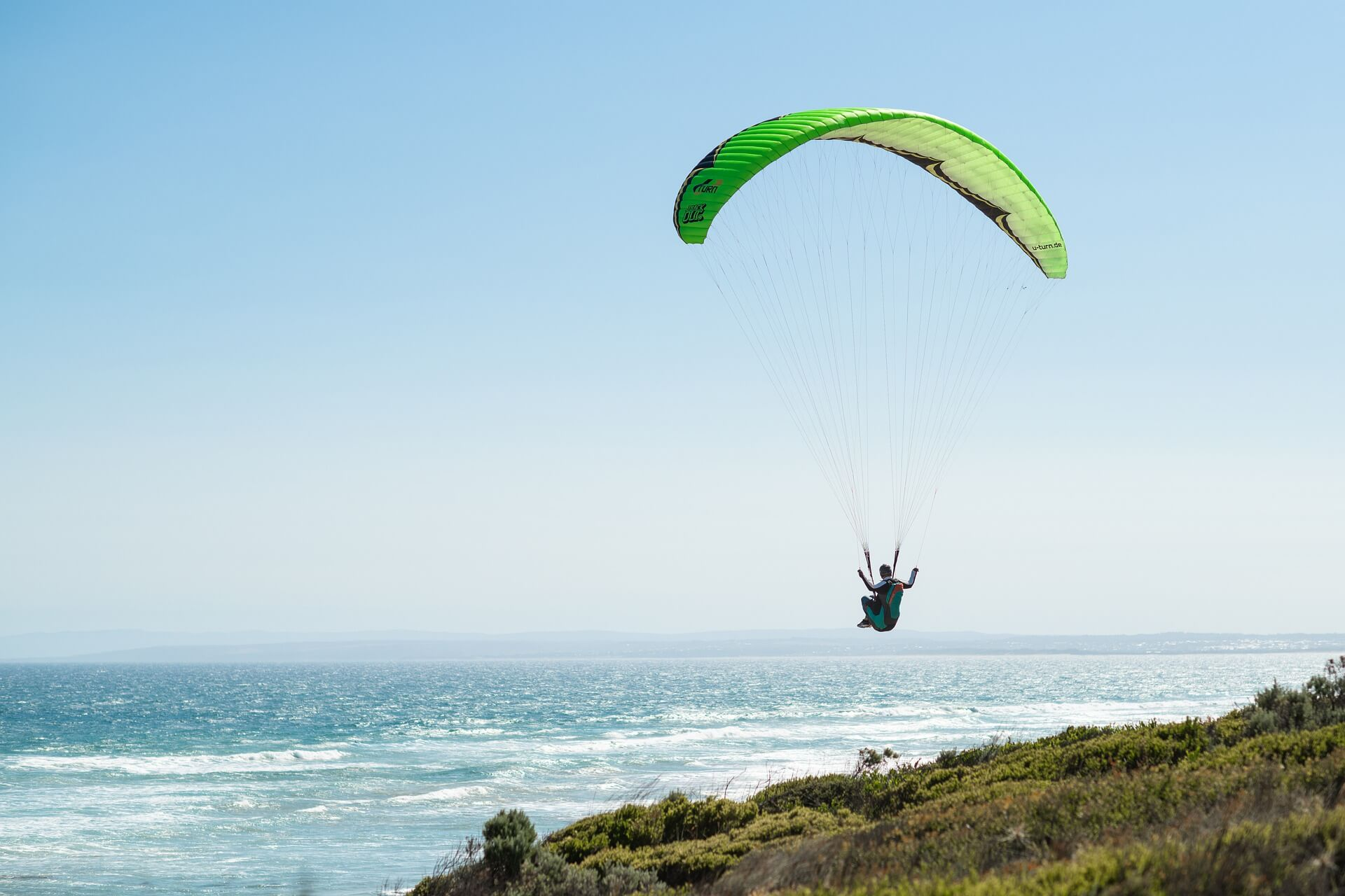 paragliding-4823764_1920
