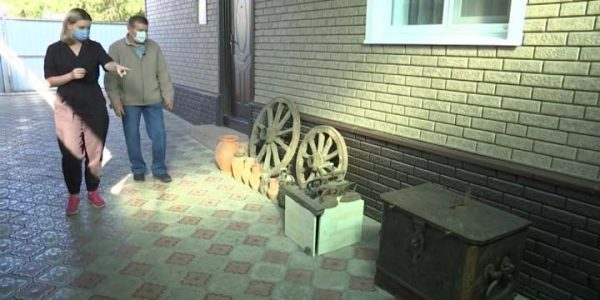 Кубанец организовал дома музей «для своих»: он давно собирает предметы старины