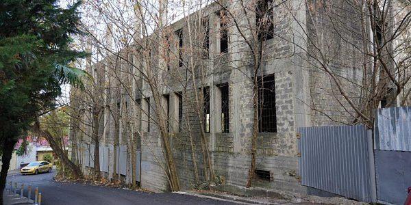 В Сочи снесут больницу-долгострой, на ее месте построят новую школу