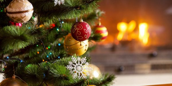Опрос: 75% россиян поддерживают отмену массовых новогодних праздников