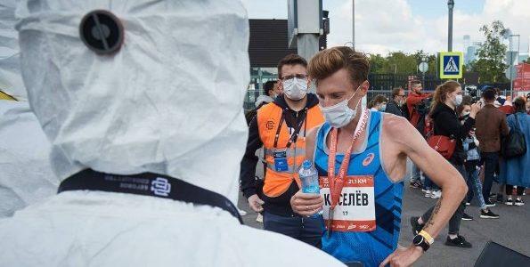 Чемпион России по марафону пропустит первенство страны в Сочи из-за COVID-19