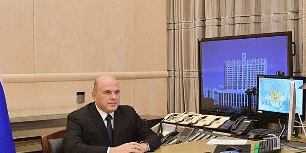 Мишустин поручил главам регионов РФ проконтролировать вакцинацию от COVID-19