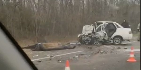 На Кубани в жестком ДТП погибли пять человек