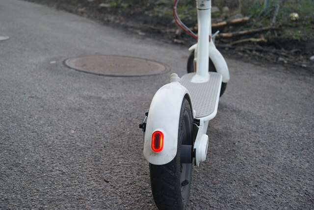 electric-scooter-4984049_640