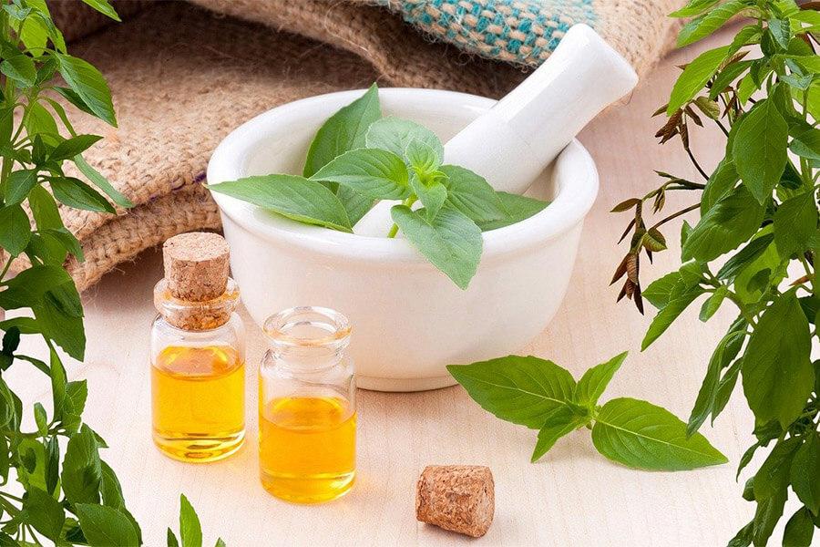 essential-oils-3456303_1280