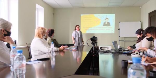 В Краснодаре провели форум-тренинг для многодетных мам в декрете