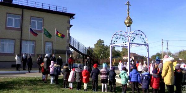 В станице Динского района на территории детского сада установили колокольню